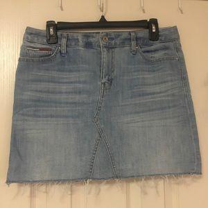 women's Tommy Hilfiger cutoff denim skirt size 8